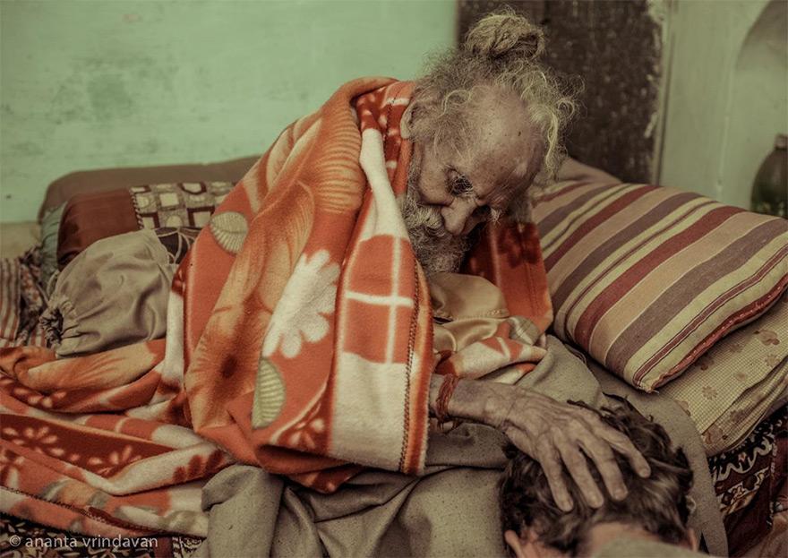 170 year old hanuman das baba a living saint of vrindavan