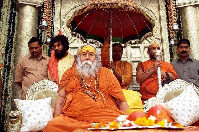 Gujarat antiguo templo quitar Sai Ídolo Después de la condena de Shankaracharya