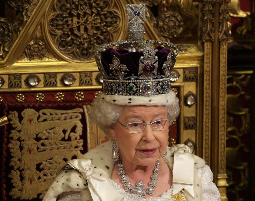 Indians Sue UK Queen for Return of 'Stolen' £100m Kohinoor Diamond