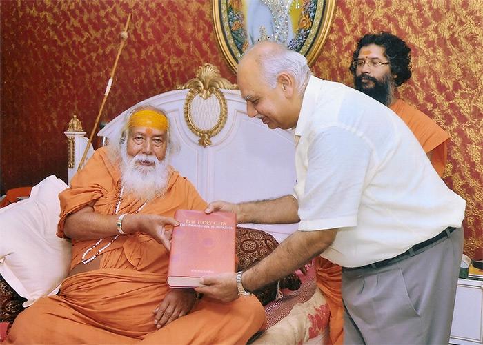 Shankaracharya: Sai Baba Used to Eat Meat, How Can He Be Called a Hindu God