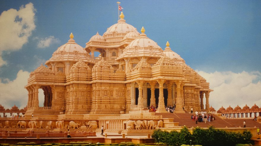 akshardham is a hindu temple complex in delhi india also referred to
