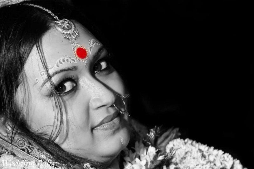women having sindoor