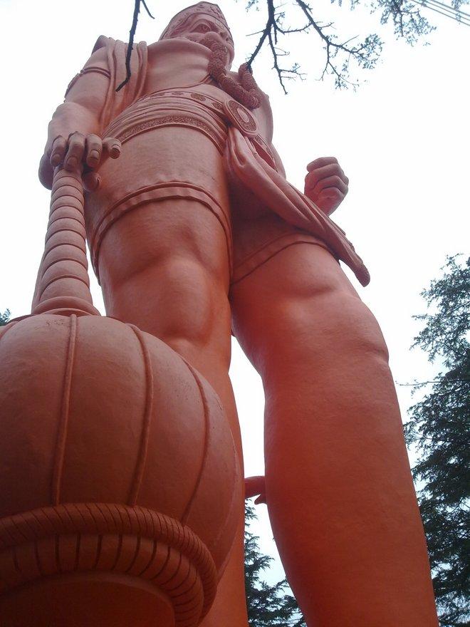 Jakhoo_mandir_statue_of_hanuman