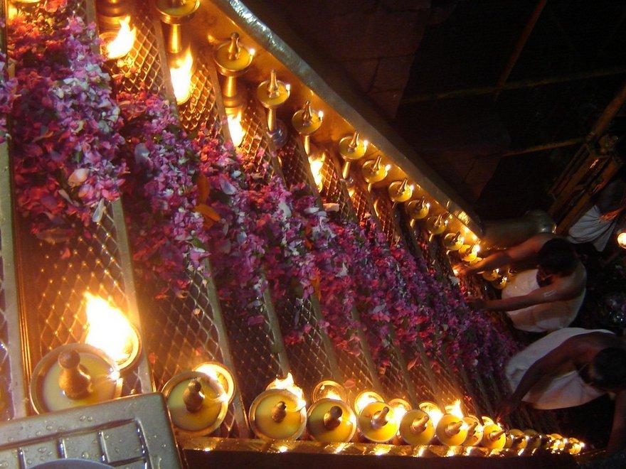 Sabarimala Ayyappa Temple 18 Steps