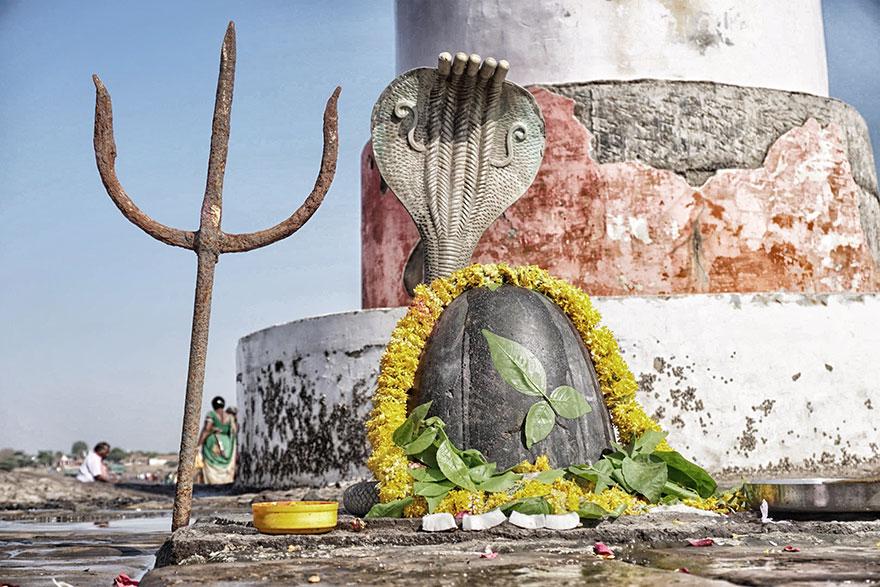 Miraculous Shiva Temple Situated Near Bhava Nagar in Arabian Sea at