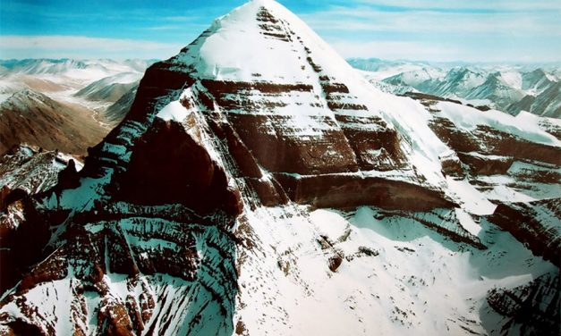 Mystery of the Unclimbed Peak – What Makes Mount Kailash So Intriguing?