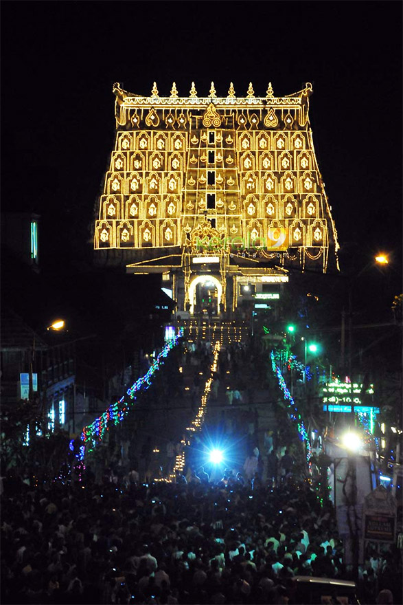Mysterious Temples In World: The Mysterious Sealed Door Of The Ancient Padmanabhaswamy
