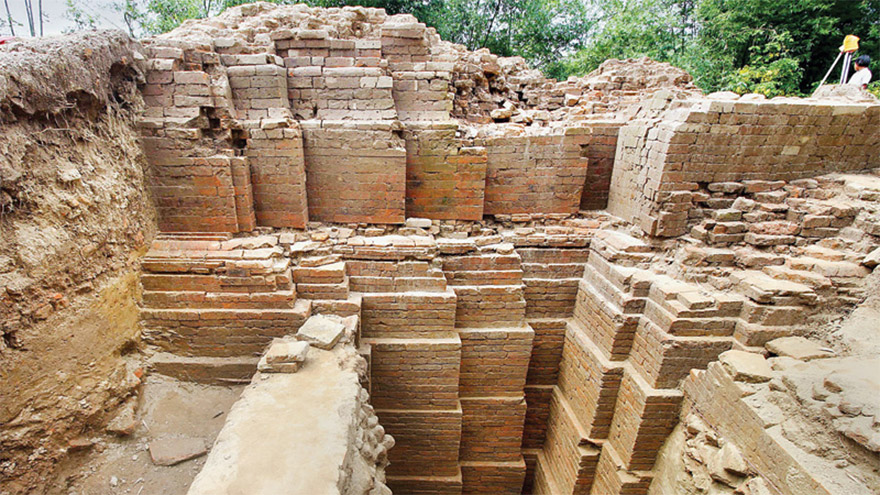 1,000 Year Old Hindu Temple Found in Bangladesh