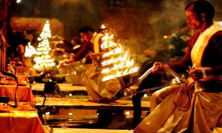 Arati – Deep Symbolism Behind Waving Lamp