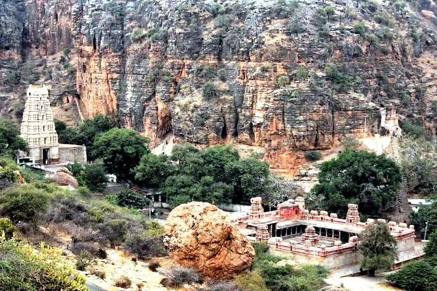 Yaganti – Temple of the Ever Growing Nandi